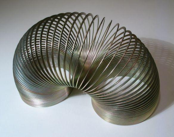 760px-2006-02-04_Metal_spiral